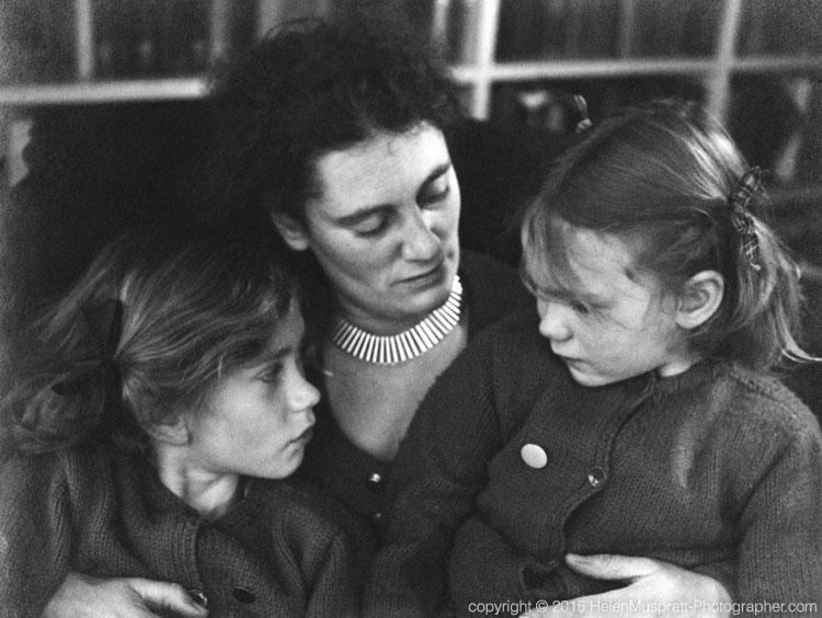 Lettice Ramsey with her daughters Jane and Sarah c 1933 (Helen Muspratt)