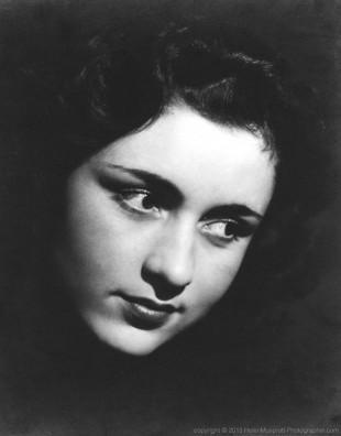 Actor Rosalie Crutchley 1938 (Helen Muspratt)
